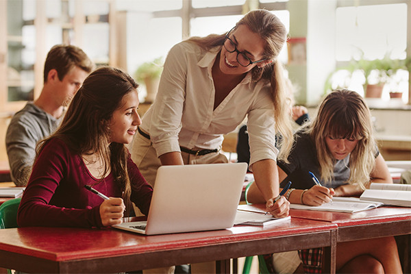 CNEC prepara reformulações para o Ensino Médio
